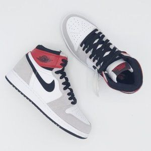 Nike Air Jordan 1 High 'Light Smoke Gr